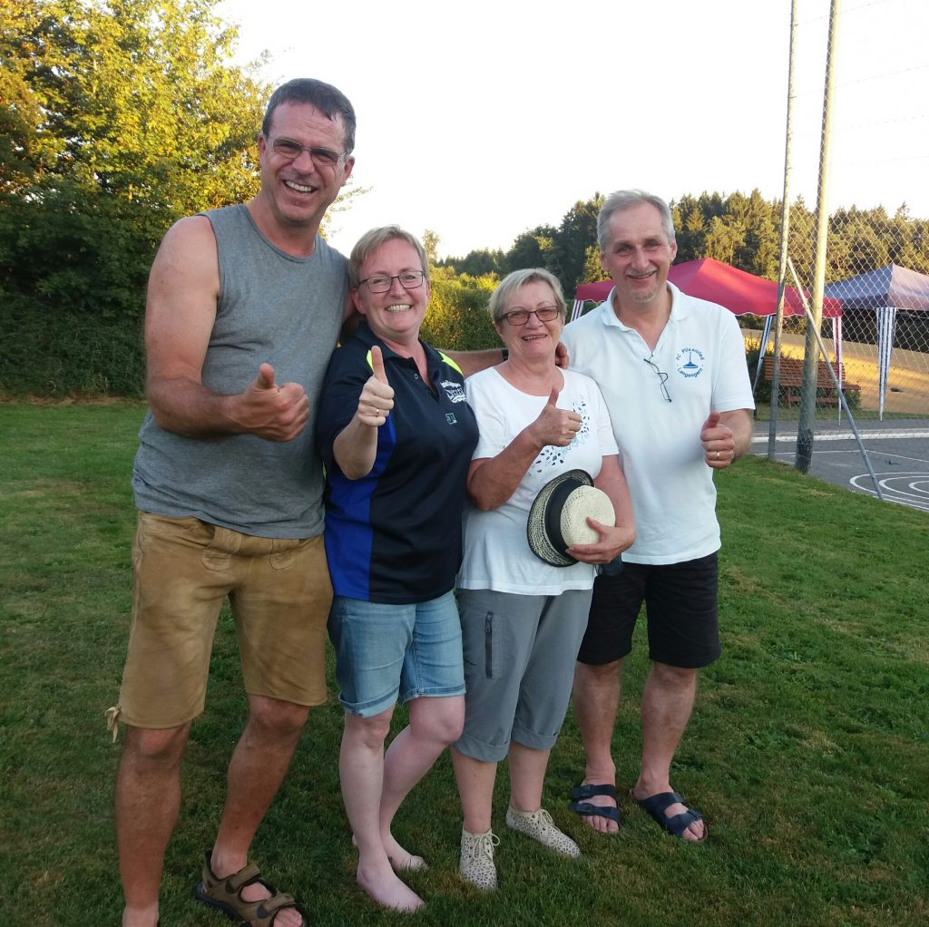 1. Sieger Mix-Turnier 27.08.16 Manfred, Maria, Anni, Michi